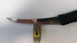 contrôle de l'épaisseur du couteau à l'aide d'une jauge